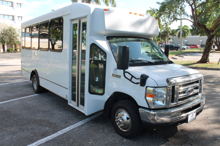 2015 ENC Advantage Ford E450
